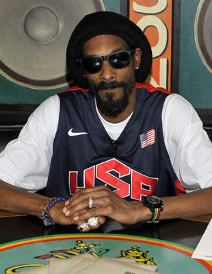 "Hip Hop Star Snoop Dogg Changes His Name To Snoop Lion ""He Now Quits Rap And Goes Reggae For 'Reincarnation' """